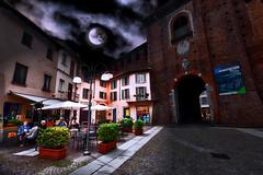 Happy hour at the Sforza Castle (Marco Trovò) Tags: marcotrovò hdr canoneos5d vigevano pavia italia italy city città strade street case house palazzi building castellosforzesco sforzacastle