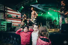 (florian cueni | BILDMATERIAL) Tags: mles bitzi boom siebnen florian cueni bildmaterial concert rock roll live loud smoke light dark contrast canon 35mm 14 workhors walking valley