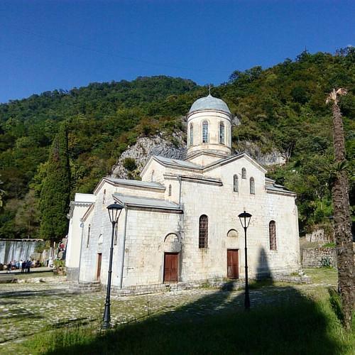 Спонтанное путешествие в Новый Афон. Абхазия 🌍 Первый раз за весь отпуск взял в руки камеру... ---------------------------------------------------------------------------- #новыйафон #morozovdmitry #abkhazia #travel #traveling #travelphotogra