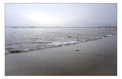 DSCF0174 copie (sylvainbachelot) Tags: baule pornichet plage sable mer ciel vague matin soir soleil mauijim coquillage toile de bord lumire mlancolie fujix70 panorama nature