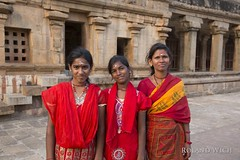 Thanjavur - Pilgrims (Rolandito.) Tags: thanjavur pilgrims women girls red robe southern south india tamil nadu brihadeeswara temple