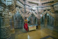 Sacerdote en el templo jainista de la Fortaleza de Jaisalmer (Rajastn-India), 2016. (Luis Miguel Surez del Ro) Tags: jaisalmer jain templo sacerdote rajastn india fortaleza