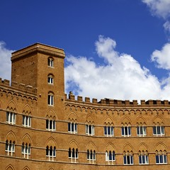 in Siena (TommyP) Tags: travel italy color building brick italia tuscany siena toscana travelphotography bsquare