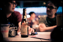 Men's talk (Lefty Jordan) Tags: hk men beer night hongkong bottle dof drink bokeh voigtlander d800 lightroom ultron 40mmf2slii hkwalk