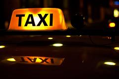 Taxi (Wochilandya) Tags: auto beauty uruguay taxi lugares autos montevideo carteles nocturnas uruguaynatural amarilloynegro alexwojciechowski wochilandya