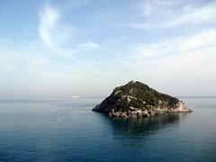 l'Isola (fotomie2009) Tags: bergeggi isola isle liguria italy italia isoladibergeggi island sea mare ponente ligure riviera