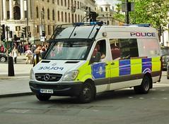BTP L84 (kenjonbro) Tags: uk london public westminster order transport trafalgarsquare police mercedesbenz british van 2009 charingcross sw1 sprinter britishtransportpolice l84 kenjonbro wp09ahz fujihs10