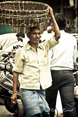Busy day (Rakhi Rawat20 (Very busy)) Tags: people india streets canon market labour mumbai hardwork labourer 1000d