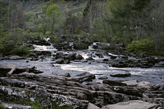 Falls of Dochart (Adam Chin) Tags: scotland zeissikon fallsofdochart kodakportra160 zeissbiogon35mm20