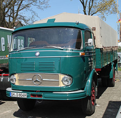 LP338 (The Rubberbandman) Tags: old classic vintage germany mercedes benz cab transport over engine cargo lorry german lp vehicle freight coe lastwagen lkw laster 338 trucl flarbed lp338