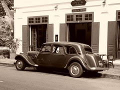 Vintage (alainpere407) Tags: alainpere triptolaos laos luangprabang oldcars viellesvoitures vintage