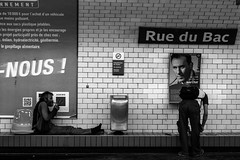 Smoking Crack rue du Bac (Lens a Lot) Tags: voigtlnder colorskopar x 50mm f28 1963 | 5 blades iris dkl mount f4 black white street photographie drug addict metro gate subway tube underground station vintage manual west germany german prime fixed lens