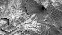 ESP_016106_1700 (UAHiRISE) Tags: mars nasa jpl mro universityofarizona landscape geology science