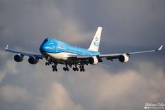 KLM --- Boeing 747-400 --- PH-BFV (Drinu C) Tags: adrianciliaphotography sony dsc hx100v ams eham plane aircraft aviation 747 klm boeing 747400 phbfv