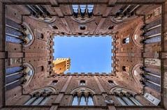 *Palazzo Publico @ Torre del Mangia* (Albert Wirtz @ Landscape and Nature Photography) Tags: albertwirtz nikon d700 nikkor1835 siena stadt italien italy italia toscana toskana tuscany ziegelsteine torre turm torredelmangia palazzopublico mangiaguadagni ziegel rinaldo piazzadelcampo campo ilcampo hdr city greatphotographers landscape paesaggi paysagens campagna paisaje