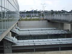 Looking over Ebbsfleet's low level platforms. (DesiroDan) Tags: highspeed1 ebbsfleetinternationalstation eurostar southeasternhighspeed southeastern railwaystationsintheuk