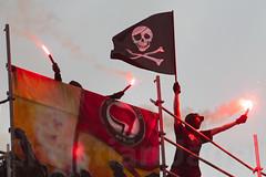 1.Mai Berlin 2012-9463 (Christian Jäger(Boeseraltermann)) Tags: berlin demonstration feuer polizei brutal 1mai pyros barrikaden schläge pyrotechnik polizeigewalt festnahmen tritte schwerverletzt christianjäger wawe10000 boeseraltermann 017634423806