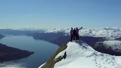 Topptur til Oksen (Hoff-Z) Tags: mountain snow ski nature norway spring skiing fjord fjords hardanger topptur oksen tjoflot