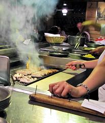 photo - Bratwursthäusle, Nuremberg (Jassy-50) Tags: cooking kitchen germany fire restaurant photo nuremberg cook sausage grill flame wurst bratwurst nürnberg bratwürst bratwursthäusle nürnbergerbratwürst francegermany2011 nürnbergerrostbratwürst