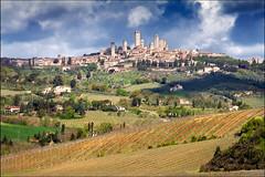 san gimignano (heavenuphere) Tags: world italy heritage landscape 1 site vineyard italia view unesco hills tuscany sangimignano toscana gi vernaccia 55250mm