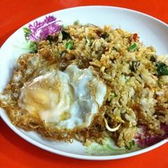 ข้าวผัดกระเพราไก่ไข่ดาว | Stir Fried Chicken With Basil Fried Rice With Fried Egg @ เกตุ อาหารตามสั่ง | Gate