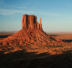 West Mitten (redrijn) Tags: arizona digital canon rebelxt dslr monumentvalley monolith kayenta mesa mitten ef1740mmf4lusm