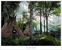 196/365 (Tete07) Tags: luz eurodisney cabaas disneylandparis rayosdesol pobladoindio