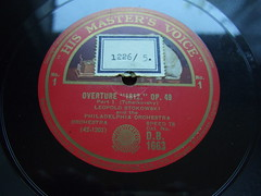 """Tchaikovsky - Overture """"1812"""" op.49 - Philharmonia Orch., Leopold Stokowski, HMV D.B. 1663, 42-1203, Speed 78t Shellac Bakeliet (Piano Piano!) Tags: art speed vintage album vinyl collection cover lp record shellac disc platte sleeve 30s hoes gramophone disque 40s50s bakeliet grammofoonplaat leopoldstokowski langspeelplaat 78t langspielplatte schellak speed78tshellacbakeliet tchaikovskyoverture1812op49philharmoniaorch hmvdb1663 421203 bakeliteschellakshellacvintagegramophonerecordplattelabel20s"""