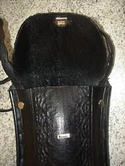 Detalhes da Minha 1 Bolsa com Pneu - Details of My 1st Handbag with Tyre (FazendoArte - Maria Oliveira) Tags: brazil brasil recycled cut sew bolsa lixo recycling handbag rs reciclagem mala riograndedosul reuse reciclaje recortar costura recyclage riciclo reciclare reaproveitando riusare ricreare