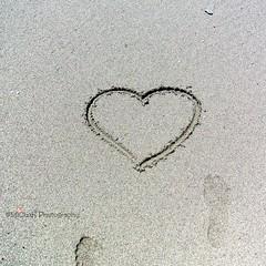 beach (MiChaH) Tags: vakantie holiday spain spanje canadianislands canarischeeilanden islabonita lapalma island eiland beach strand zwartzand blacksand spring lente 2016 sand zand heart hart love liefde