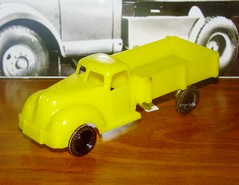 Ford truck by Osul (Vintage Toy Collection) Tags: ford mercedes truck cabrio madeinportugal osul metosul jato pepe jaj plastictoy tintoy vintagetoy oldtoy toy