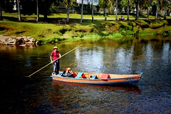 Barqueiro de Morretes (Billy W Martins ) Tags: rionhundiaquara morretes paran river rio boat fisherman pescador nikon d7100 small village