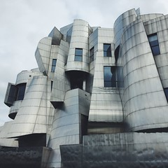 gehry (mennyj) Tags: minnesota mn minneapolis saintpaul stpaul 2016 vacation iphone iphone6 mobile gehry gary museum architecture design metal