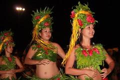 Traditional dancers (Vladimir Nardin) Tags: tahiti moorea frenchpolynesia tahitiandancers traditionalwomen tahitianwomen