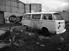 the bus stop (75kombi) Tags: