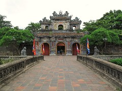 Hien Nhom Gate (Francisco Anzola) Tags: citadel palace vietnam hue imperialcity palacegate hiennhom vietnamesearchitecture