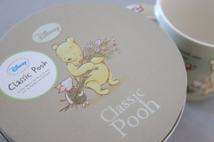 Detail box (Lucychan80) Tags: winniethepooh ehshepard classicpooh