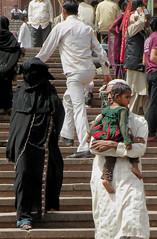 Jama Masjid visitors (bokage) Tags: woman india man child veil delhi hijab mosque niqab visitor jamamasjid olddelhi burka bokage