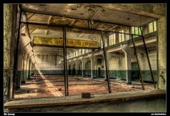 Die Losung (Nachtwchter) Tags: abandoned alt ruine urbanexploration ddr barracks dri hdr gdr verlassen kaserne abandonn verfall zerfall tonemapping gssd