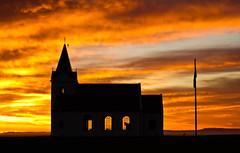 Ingjaldshólskirkja í sólarlaginu (icecold46) Tags: sunset church iceland snæfellsnes sólarlag breiðafjörður ingjaldshóll ingjaldshólskirkja