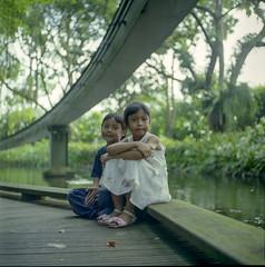 Sibling Love (atfal al-hejara) Tags: 120 6x6 tlr film mediumformat square fuji sister brother epson twinlensreflex yashicamat v700