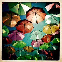 eyes in the air (* Patrcia *) Tags: blue light red summer orange sun verde green luz sol portugal azul umbrella laranja joy happiness vermelho vero app iphone gueda guardachuva iphonography iphoneography hipstamatic