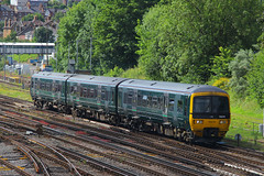166210, Guildford, July 14th 2016 (Suburban_Jogger) Tags: 166210 class166 firstgreatwestern gwr greatwesternrailway brel networker reading gatwickairport railway train railroad dieselmultipleunit guildford surrey july 2016 summer canon 60d 24105mm vehicle