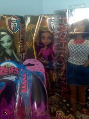 Retail Therapy (dollyzdaydream) Tags: beach monster toys high wolf dolls barbie curvy frankie gloom stein haul zelfs batrina clawdeen