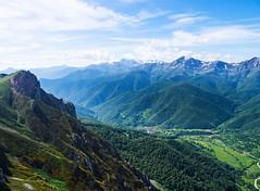 Cuantas veces yo mirara (Jesus_l) Tags: europa espaa cantbria valledelibana picosdeeuropa montaa jessl oma