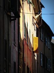 la persiana gialla (fotomie2009 OFF) Tags: rapallo liguria italy italia riviera levante ligure case persiane facciate faade