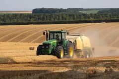John Deere 8520 (hughdiniphoto) Tags: tractor baler bigbaler johndeere 8520 krone bigpack1290 eastyorkshire harvest farming agriculture straw