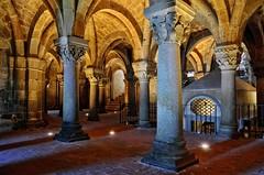 Cripta con sacello (Fabio Polimadei) Tags: church basilica viafrancigena architecture tusciaviterbese lazio latium italy italia italien