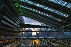 met  the morning glow at Osaka Station (tyodai) Tags: sony 7 a7 ilce7 super wideheliar 15mm f45 aspherical iii osaka station