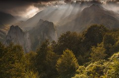 Splintered Light above the Pic de Countende - French Pyrenees (Explored) (sunstormphotography.com) Tags: frenchpyrenees pyrenees france picdecountende lescun lesorguesdecamplong picduanie mountains mist canon24105l canon5dmark3 ndgradfilter polarisingfilter refugedulaberouat